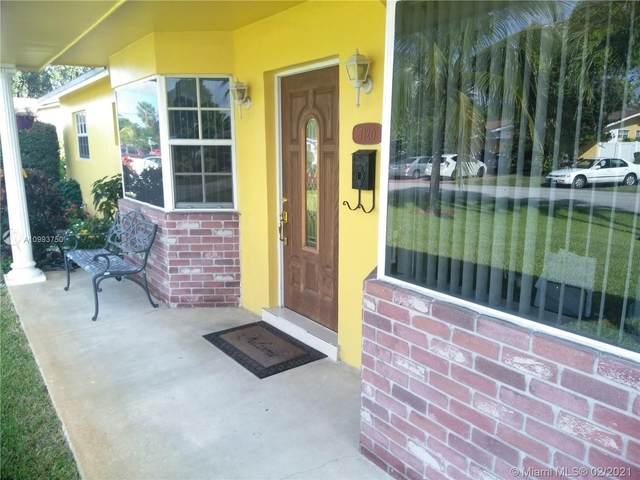 7120 SW 10th Ct, Pembroke Pines, FL 33023 (MLS #A10993750) :: Castelli Real Estate Services