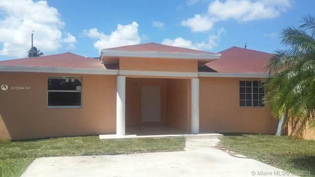 657 SW 7th St, Homestead, FL 33030 (MLS #A10994741) :: The Paiz Group