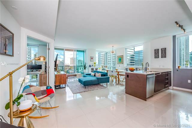 500 Brickell Ave #902, Miami, FL 33131 (MLS #A10995081) :: The Teri Arbogast Team at Keller Williams Partners SW