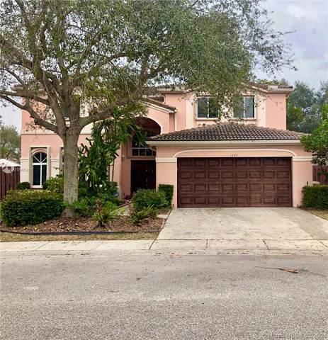 1707 SW 108th Way, Davie, FL 33324 (MLS #A10995468) :: Berkshire Hathaway HomeServices EWM Realty