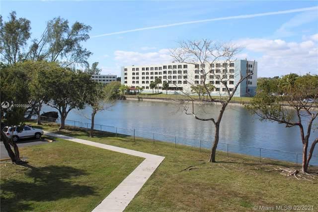 8260 SW 210th St #110, Cutler Bay, FL 33189 (MLS #A10995990) :: Green Realty Properties