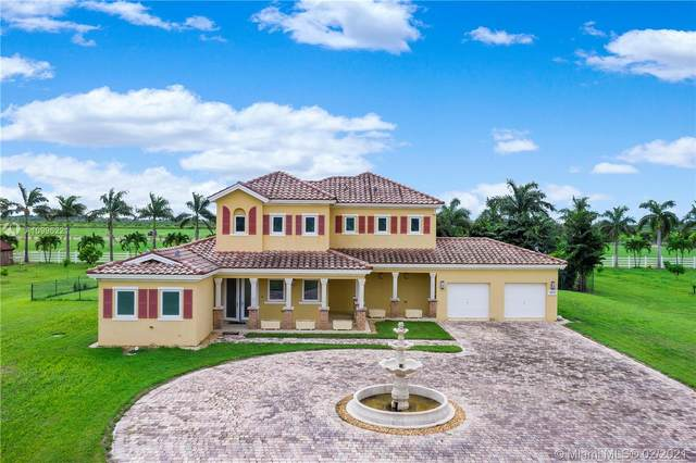 34650 SW 218th Ave, Homestead, FL 33034 (MLS #A10996221) :: Prestige Realty Group