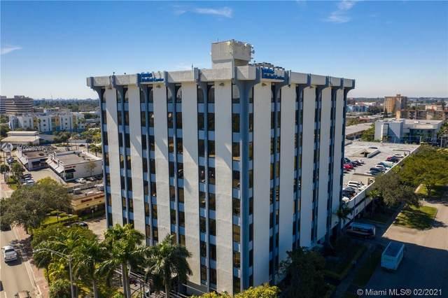 12550 Biscayne Blvd, North Miami, FL 33181 (MLS #A10996257) :: The Teri Arbogast Team at Keller Williams Partners SW