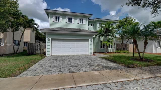 2915 NE 4th St, Homestead, FL 33033 (MLS #A10997399) :: Berkshire Hathaway HomeServices EWM Realty