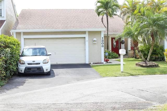 1308 Redstart Ct, Homestead, FL 33035 (MLS #A10997738) :: Berkshire Hathaway HomeServices EWM Realty