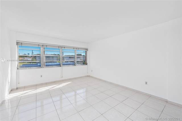 1400 SW 27th Ave #201, Miami, FL 33145 (MLS #A10998185) :: The Rose Harris Group