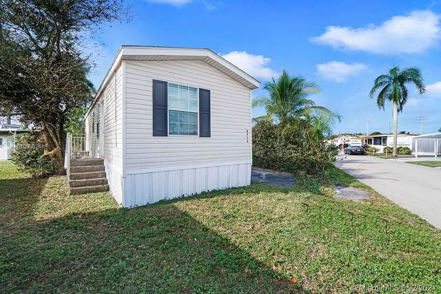 8524 SW 17th Ct, Davie, FL 33324 (MLS #A10998244) :: The Teri Arbogast Team at Keller Williams Partners SW