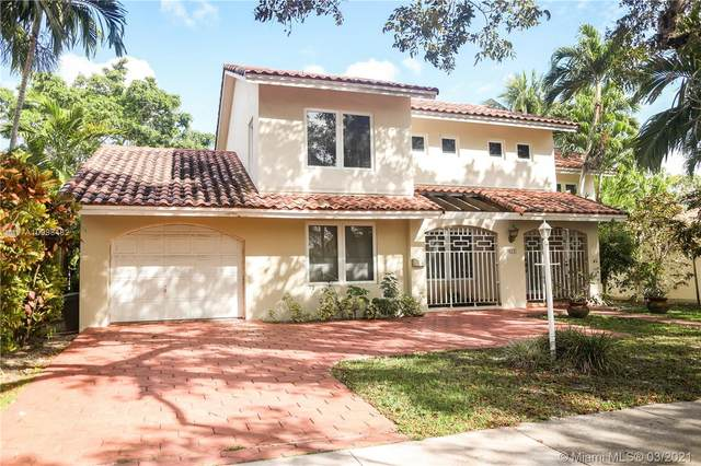 821 Columbus Blvd, Coral Gables, FL 33134 (MLS #A10998482) :: Berkshire Hathaway HomeServices EWM Realty