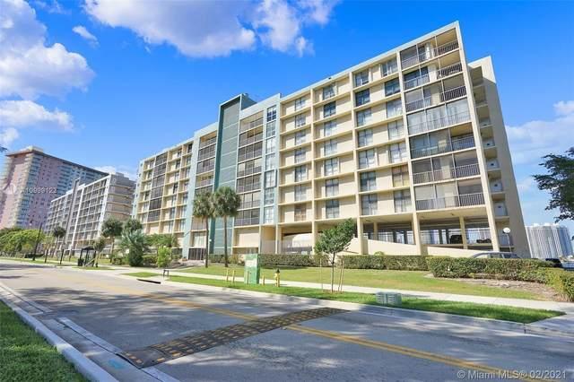 17600 N Bay Rd N802, Sunny Isles Beach, FL 33160 (MLS #A10999122) :: Compass FL LLC