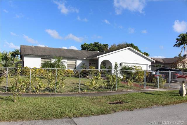 25601 SW 133rd Ct, Homestead, FL 33032 (MLS #A10999440) :: The Riley Smith Group