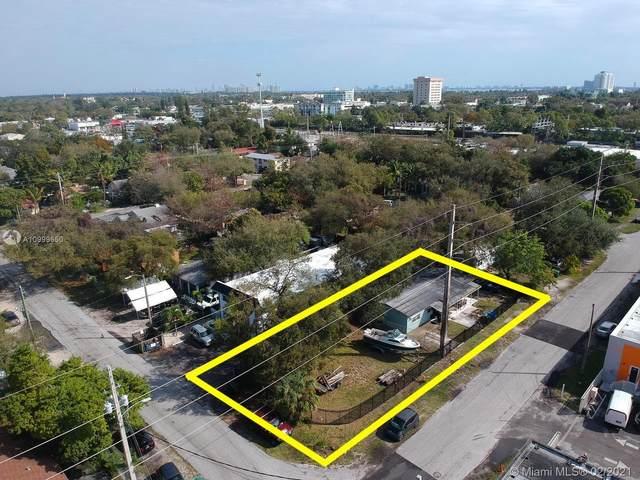 321 NE 75th St, Miami, FL 33138 (MLS #A10999650) :: Berkshire Hathaway HomeServices EWM Realty