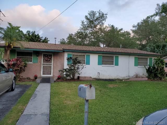 South Miami, FL 33143 :: Carlos + Ellen