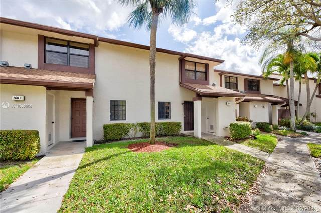 4312 Carambola Cir N, Coconut Creek, FL 33066 (MLS #A11000505) :: Berkshire Hathaway HomeServices EWM Realty