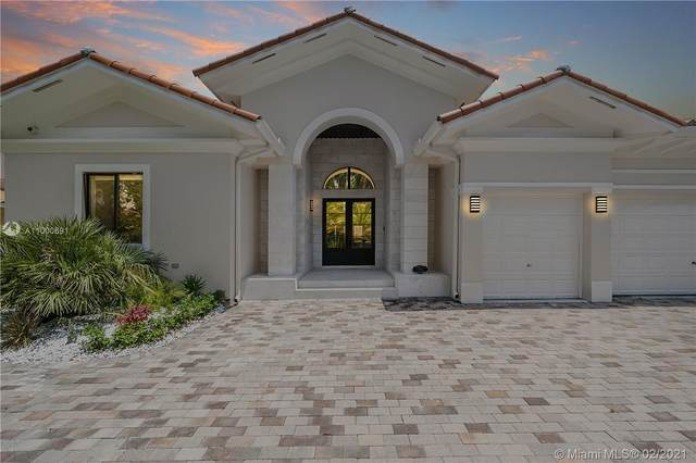 7925 SW 193rd St, Cutler Bay, FL 33157 (MLS #A11000691) :: The Riley Smith Group