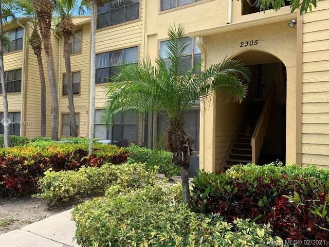2305 N Congress Ave #17, Boynton Beach, FL 33426 (MLS #A11001016) :: The Howland Group