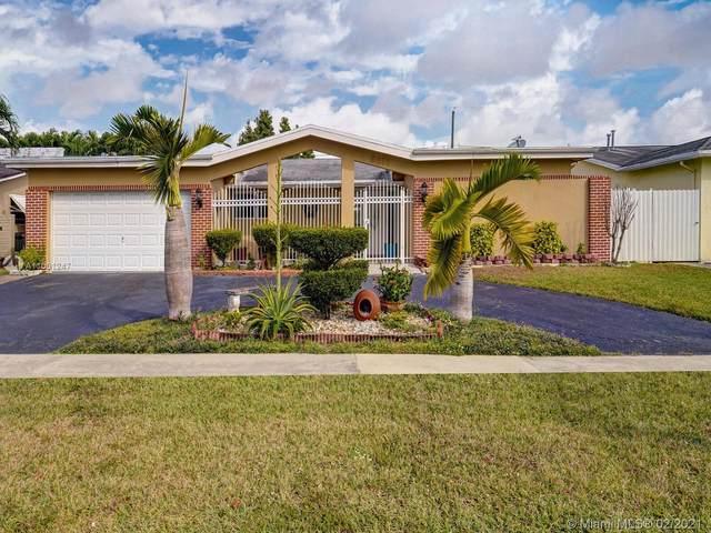 9611 NW 21st Mnr, Sunrise, FL 33322 (MLS #A11001247) :: Berkshire Hathaway HomeServices EWM Realty