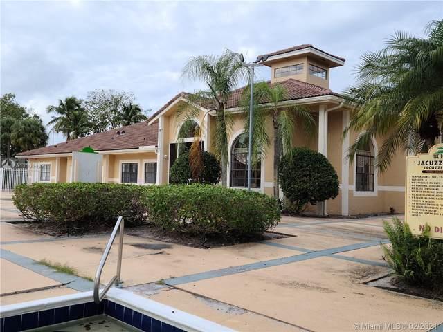 204 E Palm Cir E, Pembroke Pines, FL 33025 (MLS #A11001432) :: Search Broward Real Estate Team