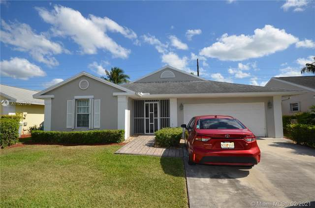 2730 SE 7th Pl, Homestead, FL 33033 (MLS #A11001512) :: The Jack Coden Group