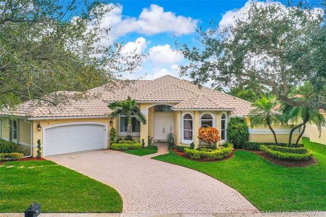 2672 Meadowood Dr, Weston, FL 33332 (MLS #A11001658) :: Castelli Real Estate Services