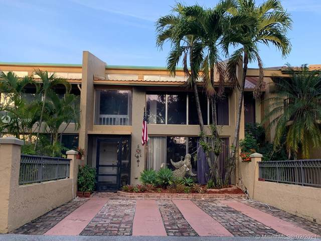 700 E Coco Plum Cir #5, Plantation, FL 33324 (MLS #A11001930) :: The Riley Smith Group