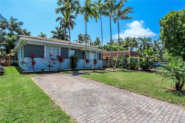 1322 Fillmore St, Hollywood, FL 33019 (MLS #A11001965) :: The Riley Smith Group