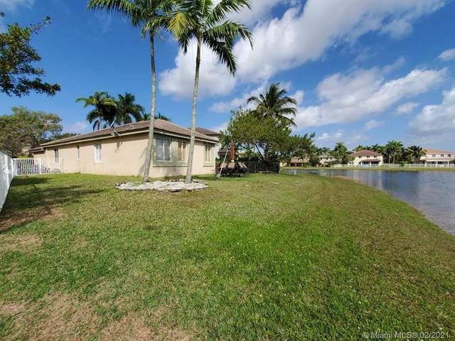 518 Conservation Dr, Weston, FL 33327 (MLS #A11002186) :: The Riley Smith Group