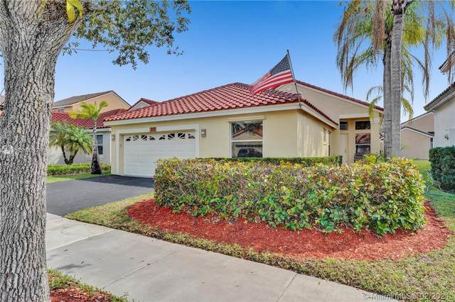 817 Stanton Dr, Weston, FL 33326 (MLS #A11003288) :: The Riley Smith Group