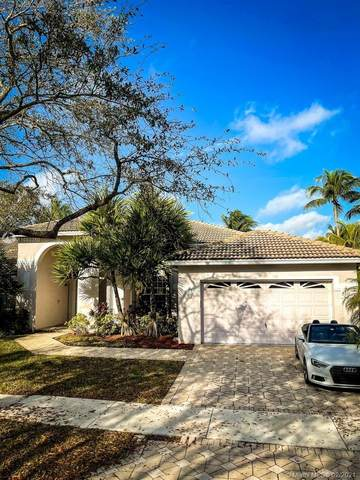2703 Meadowood Dr, Weston, FL 33332 (MLS #A11003350) :: The Riley Smith Group