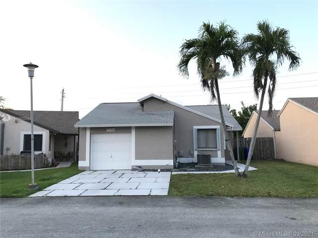 930 SW 111th Ave, Pembroke Pines, FL 33025 (MLS #A11003354) :: Prestige Realty Group