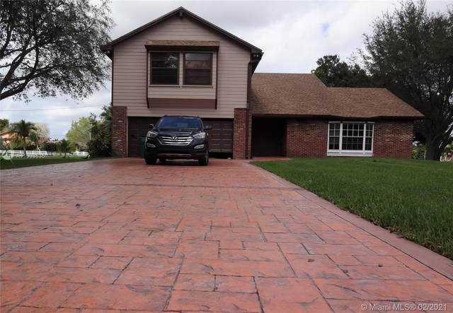 14101 SW 28th Ct, Davie, FL 33330 (MLS #A11003535) :: Berkshire Hathaway HomeServices EWM Realty