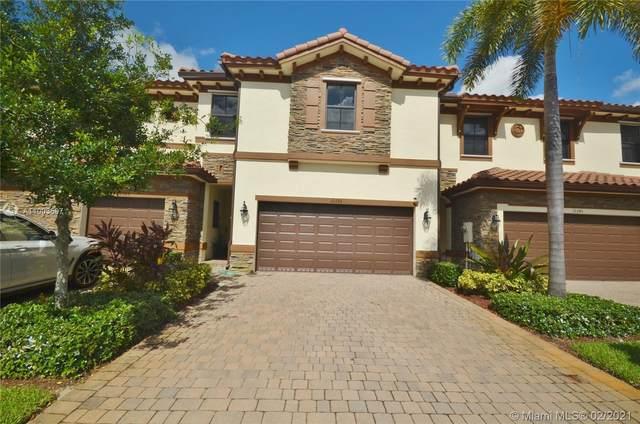 12355 S Village Cir, Davie, FL 33325 (MLS #A11003597) :: Berkshire Hathaway HomeServices EWM Realty