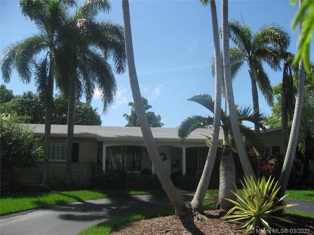 8420 SW 158th St, Palmetto Bay, FL 33157 (MLS #A11003599) :: Berkshire Hathaway HomeServices EWM Realty