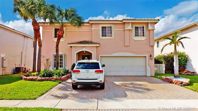 4548 SW 129th Ave, Miramar, FL 33027 (MLS #A11003600) :: Green Realty Properties