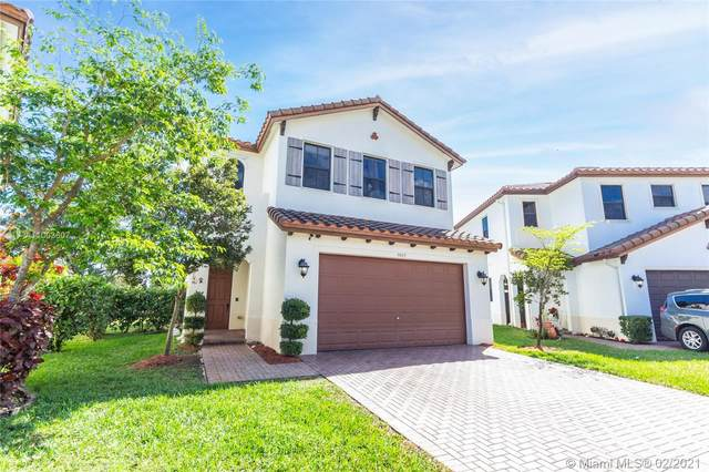 3885 SW 90th Ave, Miramar, FL 33025 (MLS #A11003607) :: The Riley Smith Group