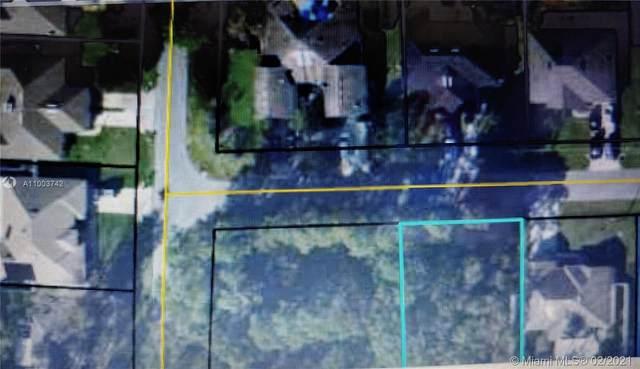 17 Regis Lane, Palm Coast, FL 32164 (MLS #A11003742) :: Prestige Realty Group