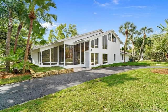 8400 SW 114th St, Miami, FL 33156 (MLS #A11003757) :: Berkshire Hathaway HomeServices EWM Realty