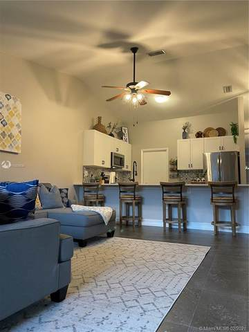 9624 NW 76th Ct, Tamarac, FL 33321 (MLS #A11003836) :: Green Realty Properties