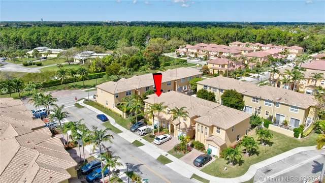 13779 SW 116th Ter, Miami, FL 33186 (MLS #A11004010) :: Berkshire Hathaway HomeServices EWM Realty