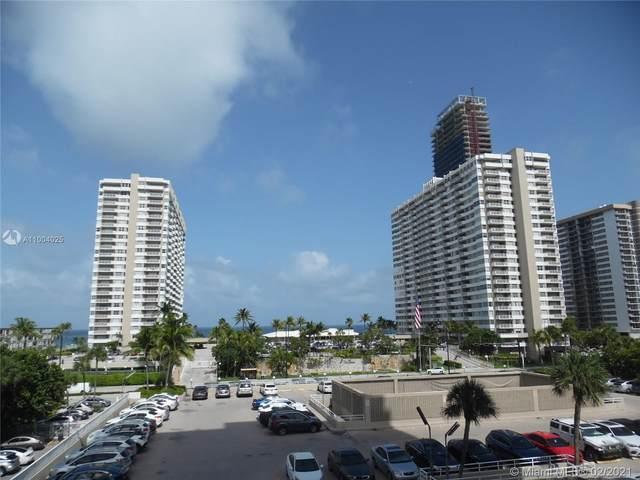 1965 S Ocean Dr 3F, Hallandale Beach, FL 33009 (MLS #A11004025) :: Castelli Real Estate Services