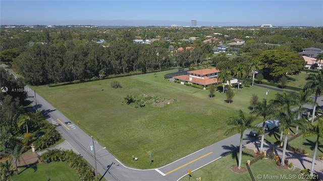 801 NW 120th Ave, Plantation, FL 33325 (MLS #A11004091) :: The Howland Group
