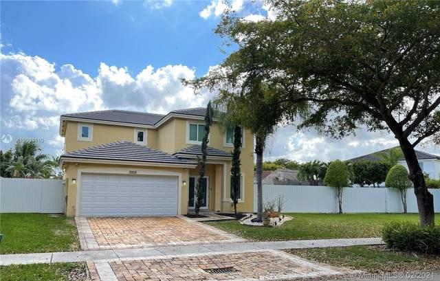 9110 SW 213th St, Cutler Bay, FL 33189 (MLS #A11004110) :: Douglas Elliman