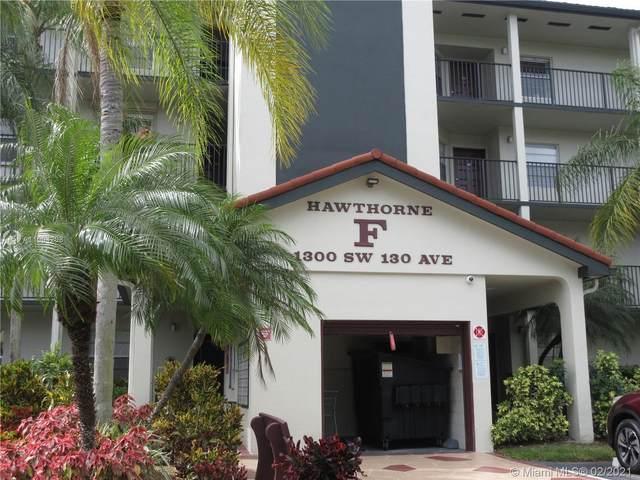 1300 SW 130th Ave 204F, Pembroke Pines, FL 33027 (MLS #A11004208) :: Green Realty Properties
