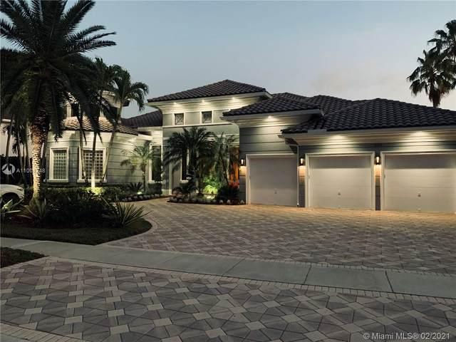 10330 Kestrel St, Plantation, FL 33324 (MLS #A11004248) :: The Riley Smith Group