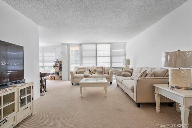 231 174th St #409, Sunny Isles Beach, FL 33160 (MLS #A11004294) :: Search Broward Real Estate Team