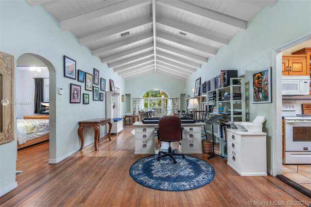 775 NE 76th St, Miami, FL 33138 (MLS #A11004341) :: Berkshire Hathaway HomeServices EWM Realty