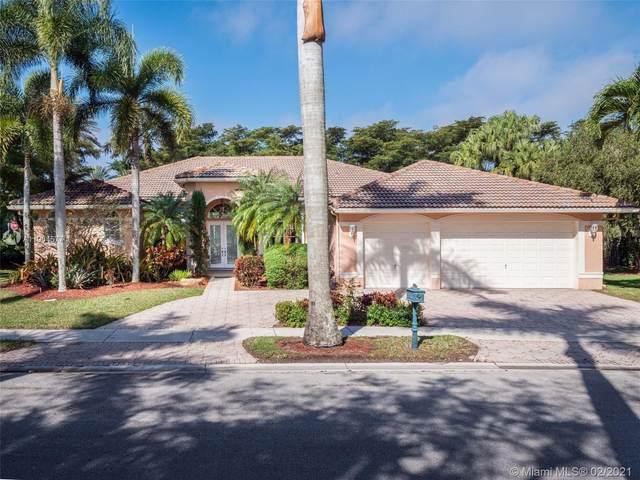 2501 Montclaire Cir, Weston, FL 33327 (MLS #A11004577) :: Castelli Real Estate Services