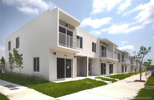 25867 SW 139 Ct, Miami, FL 33032 (MLS #A11004833) :: Prestige Realty Group