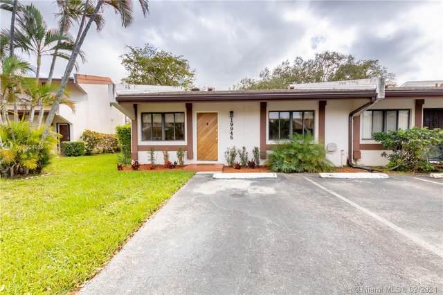 19945 NE 5th Ct 1M, Miami, FL 33179 (MLS #A11004972) :: Green Realty Properties