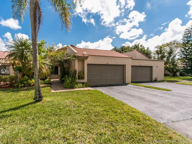 16830 Patio Village Ct, Weston, FL 33326 (MLS #A11005235) :: United Realty Group