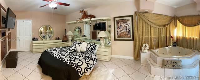 1631 NW 32nd Ave, Miami, FL 33125 (MLS #A11005274) :: Carlos + Ellen